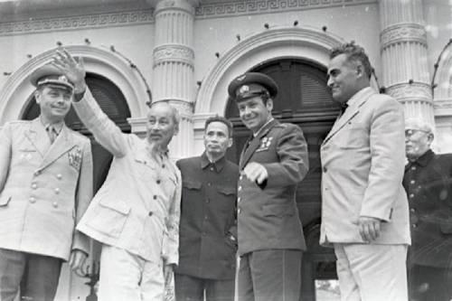 Какпрезидент Вьетнама ХоШиМинподарил Герману Титову остров