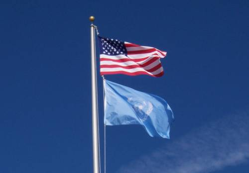 us-and-un-flags.jpg