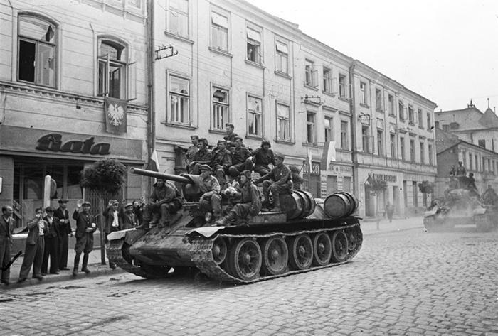 Советские танки в Польше
