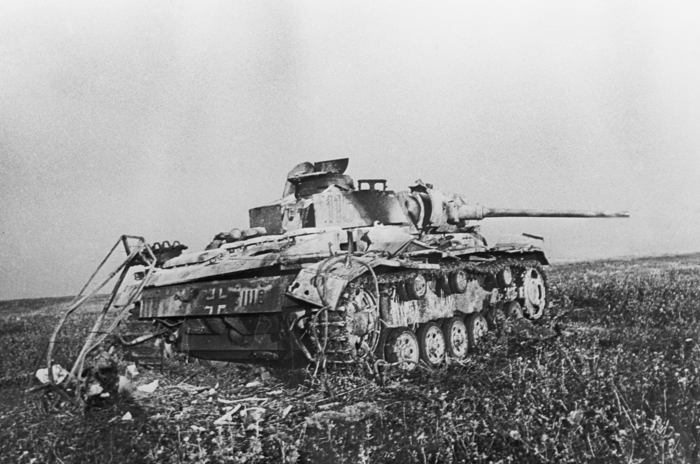 Подбитый на Курской дуге немецкий танк Pz.Kpfw. III