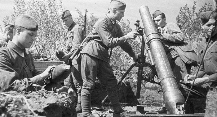 Советские минометчики